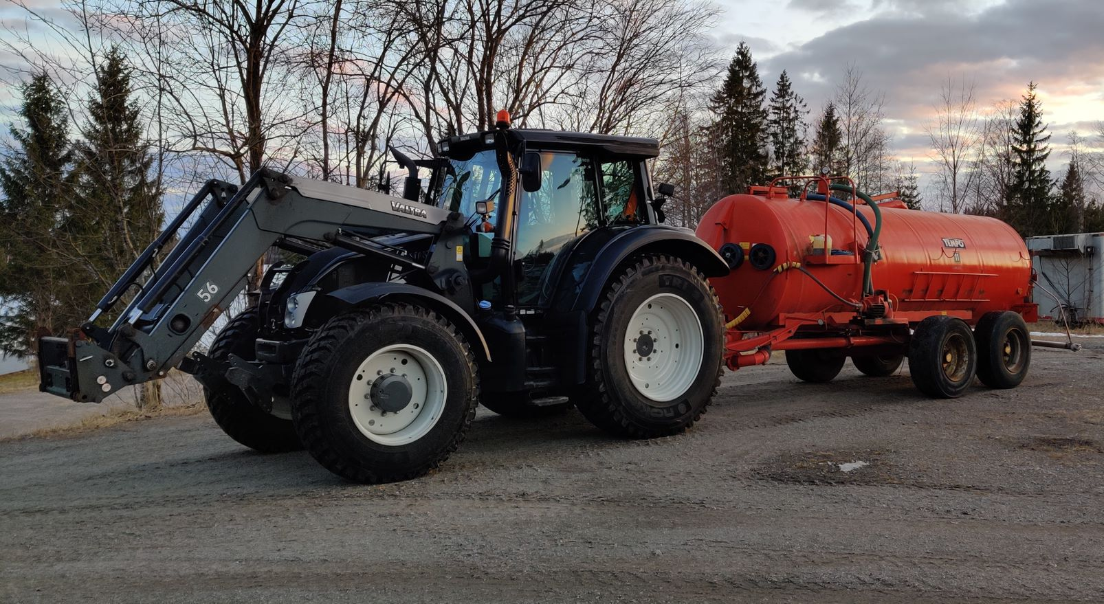 Traktori_Konttinen