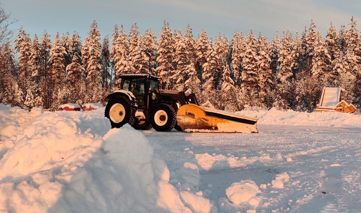 Traktori_Konttinen_Työvälineet